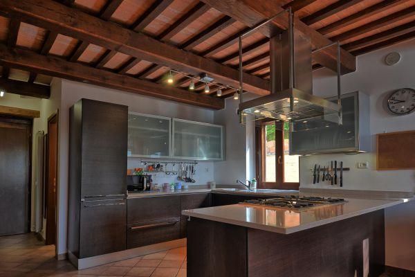 kitchen-room-4-villa-mille-querceAC480677-455B-96ED-D2E7-8BDDE3096923.jpg