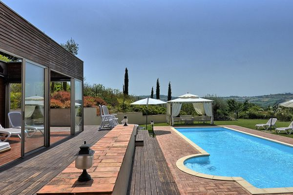 outdoors-16-villa-mille-querce4C2AD405-E346-48BA-F655-E48264FB2003.jpg
