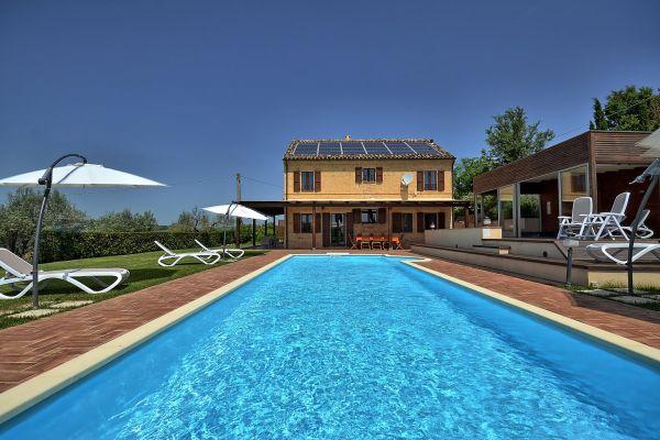 outdoors-17-villa-mille-querceE3B77381-0823-30C7-9084-F40A6354AC4A.jpg