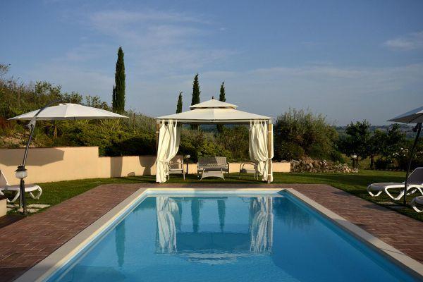 outdoors-30-villa-mille-querceBD35FB36-D053-D710-2E02-32909926A815.jpg