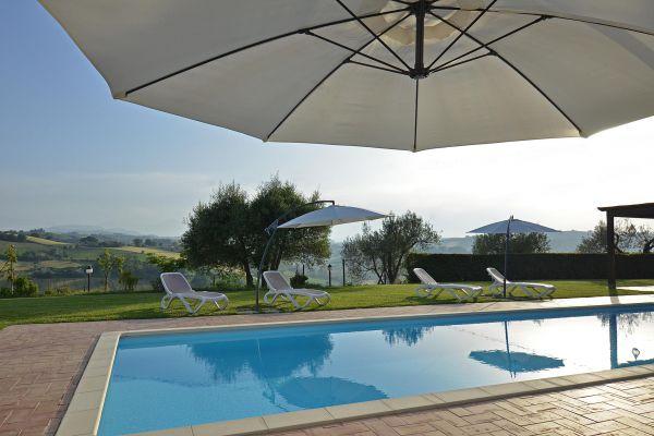 outdoors-31-villa-mille-querceF4AC6333-5607-467C-44A6-DD2C91B58158.jpg
